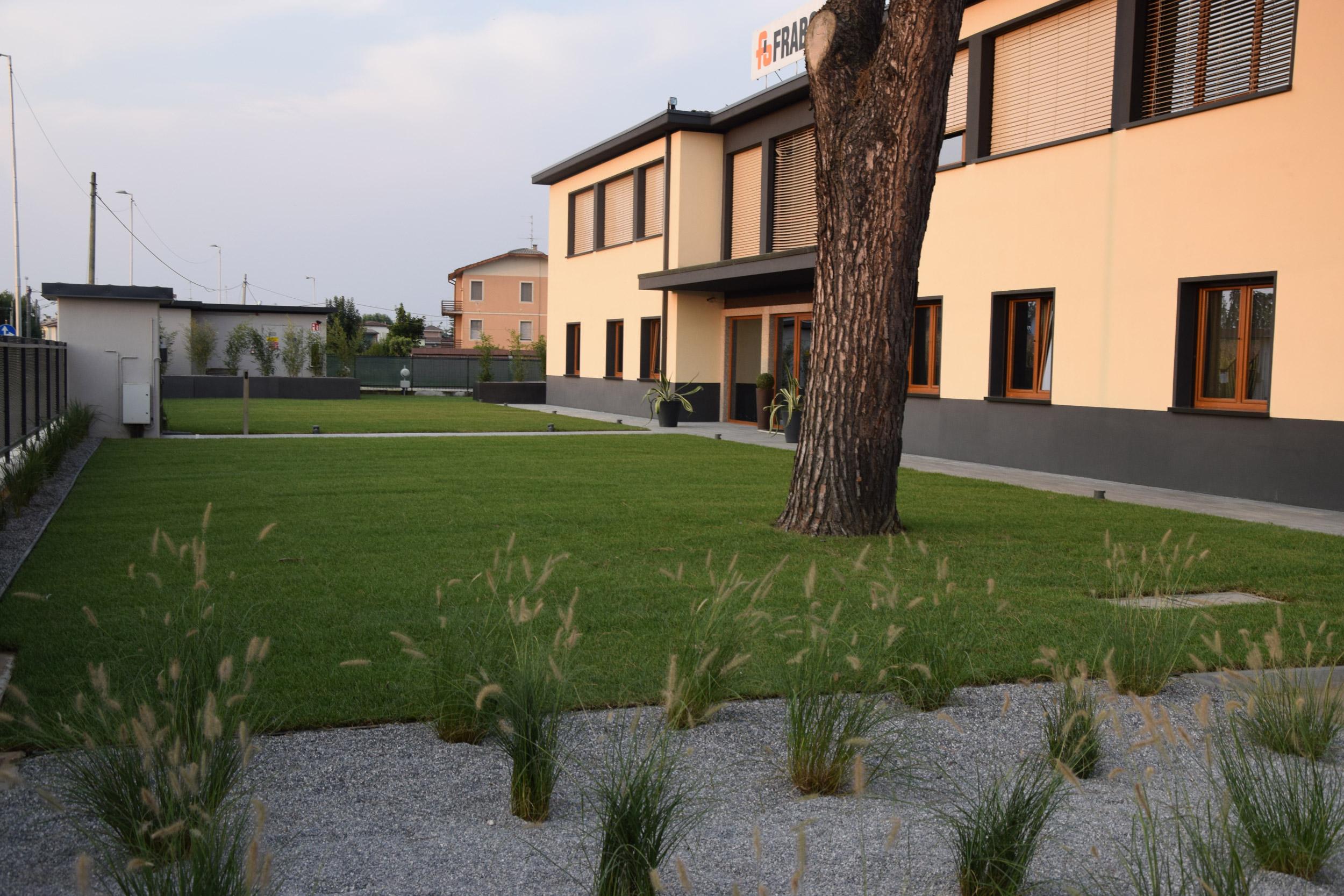 Giardino aziendale progettazione giardini agronomo for Corso progettazione giardini