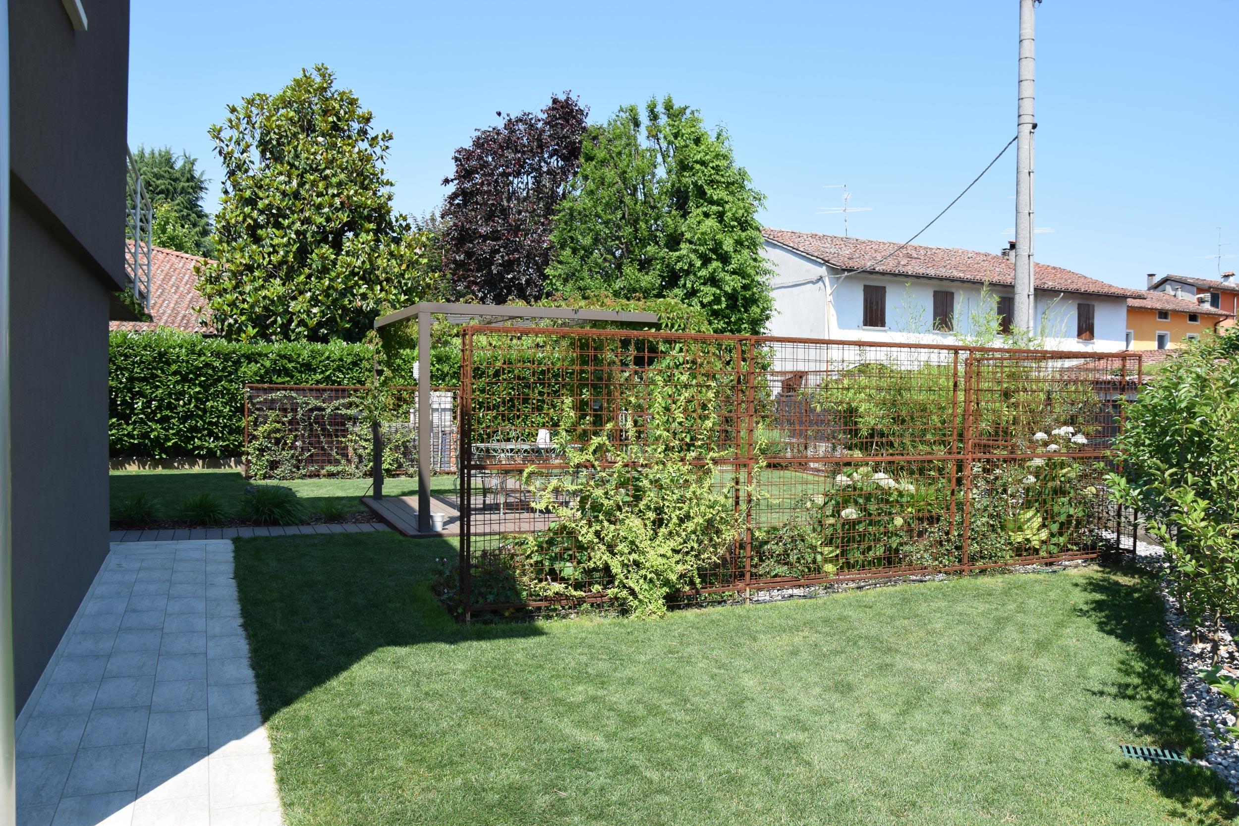 Siepi di ferro progettazione giardini agronomo for Corso progettazione giardini