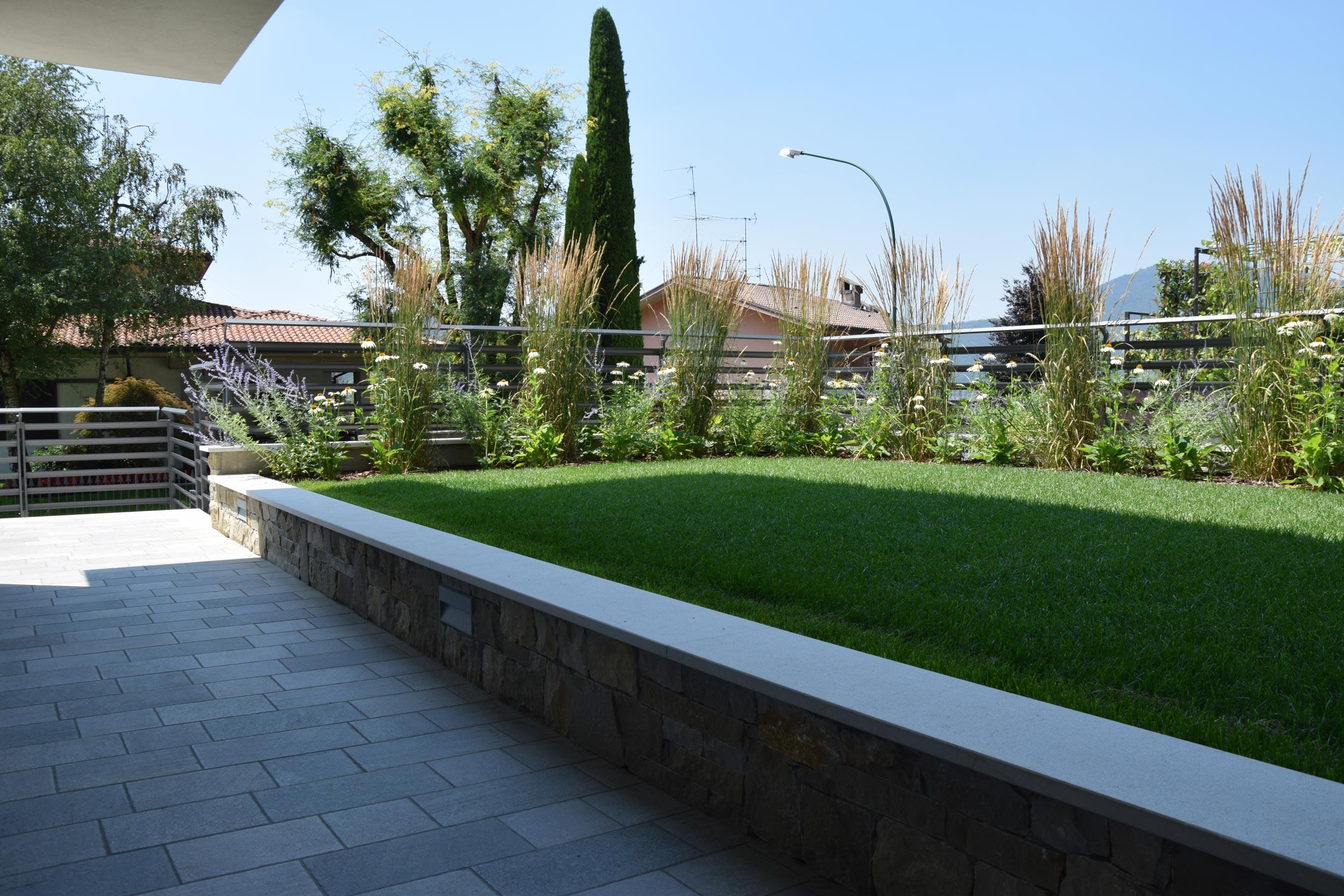 Piccolo giardino per abitazione in valtrompia - Giardini privati progetti ...