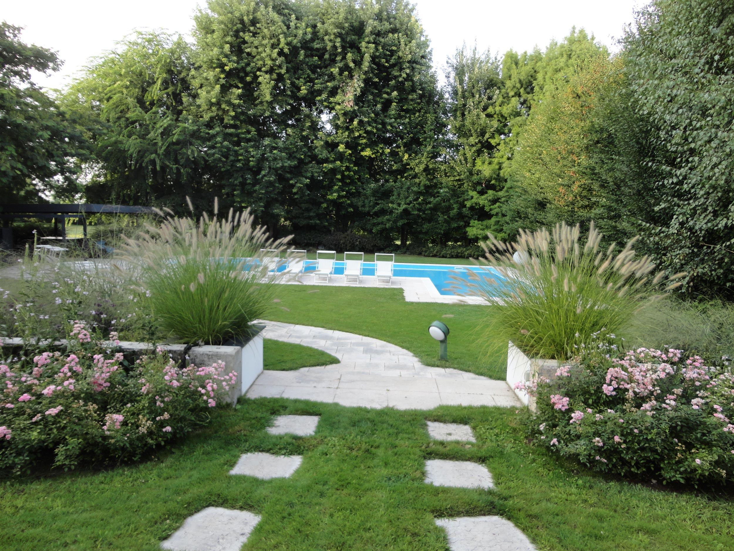 Giardino di casa privata verolavecchia bs anno 2013 for Corso progettazione giardini